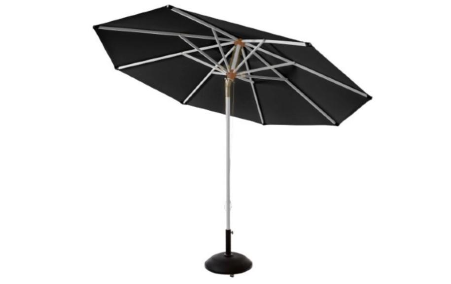 En lækker sort parasol med tilt.